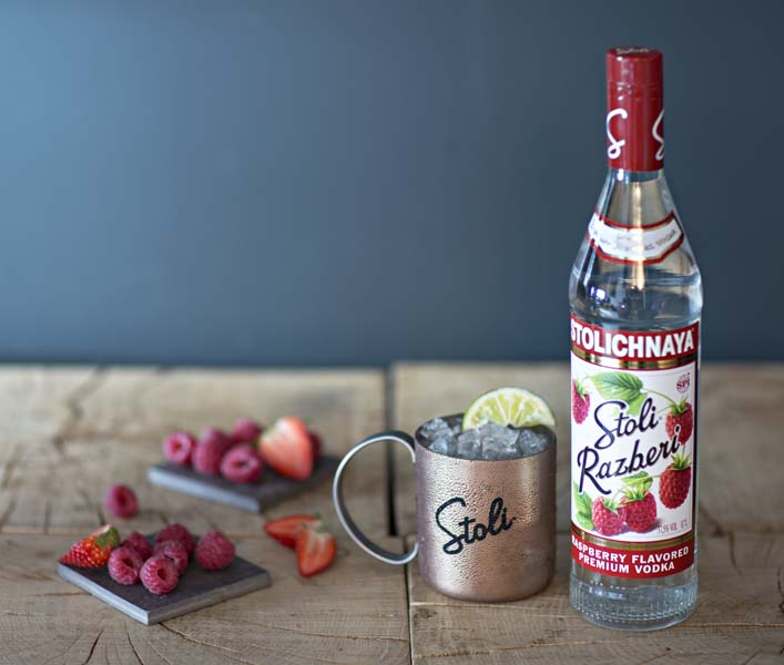 Stoli Very Berry Mule - © Philippe Levy